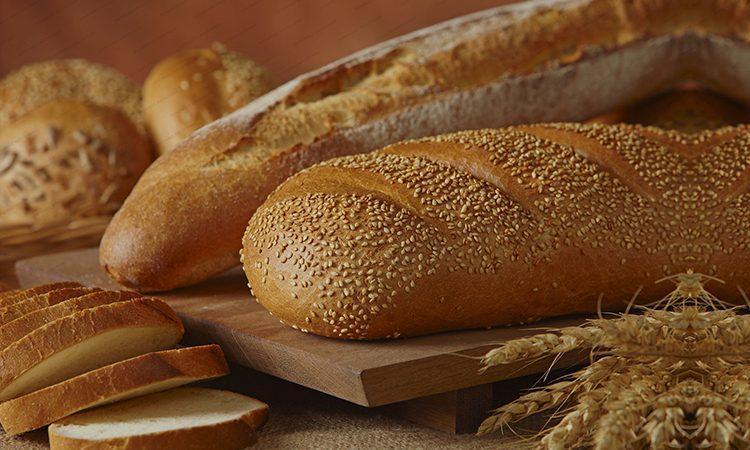 یک مقام مسئول در گفت وگو با خبرنگاران: کمبود آرد در نانوایی ها همچنان ادامه دارد، توزیع قطره چکانی گندم در کارخانه های آرد