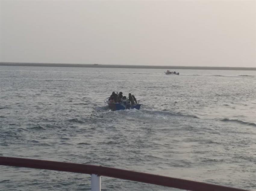 نجات 3 سرنشین قایق صیادی در بندر چابهار