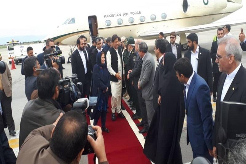 سفر نخست وزیر پاکستان به ایران از مشهد شروع شد
