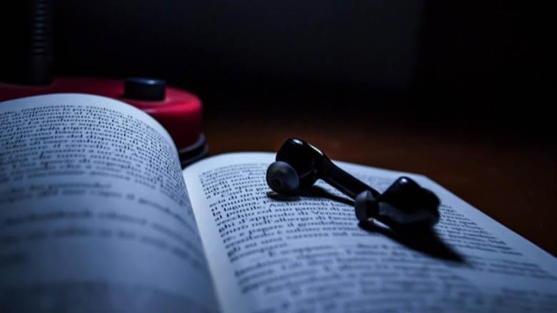 انتخاب سخت: کتاب کاغذی یا کتاب صوتی؟ آنالیز نتایج یک پژوهش در این مورد