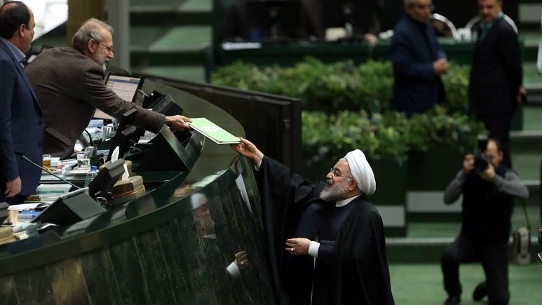 روحانی با بودجه 99 در مجلس: با مقاومت کشور را اداره می کنیم