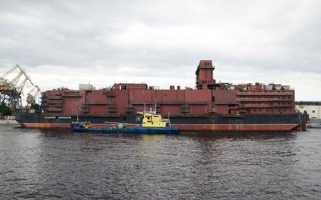 بارگذاری سوخت اولین نیروگاه هسته ای شناور دنیا در شمال روسیه