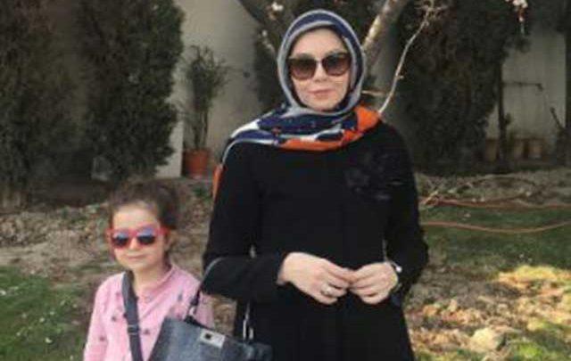 چهره بدون آرایش آزاده نامداری در کنار همسرش!، عکس