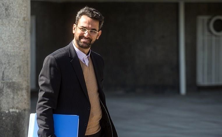 جنگ فرکانس ها با صداوسیما غیر علمی و مشوق دشمنان ایران است