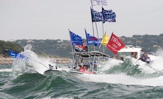 قایق های طرفداران ترامپ در تگزاس غرق شدند