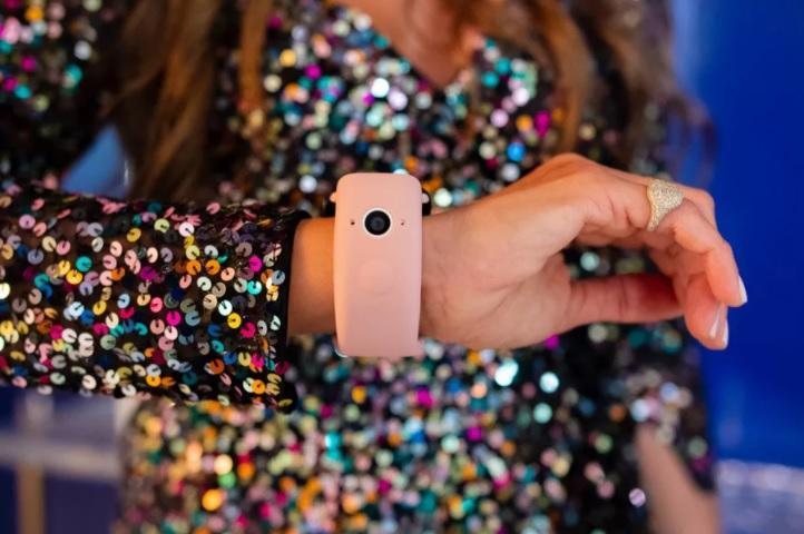 بند Wristcam برای افزودن دوربین دوگانه به اپل واچ معرفی گردید