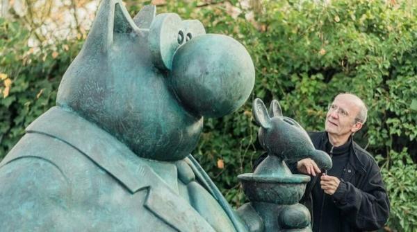 مجسمه های گربه های بامزه فیلیپ گلوک در شانزه لیزه پاریس!