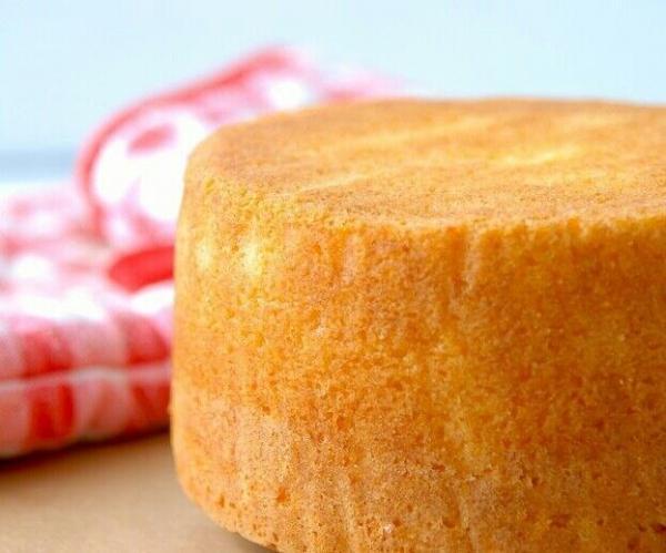 طرز تهیه کیک اسفنجی بدون احتیاج به فر!